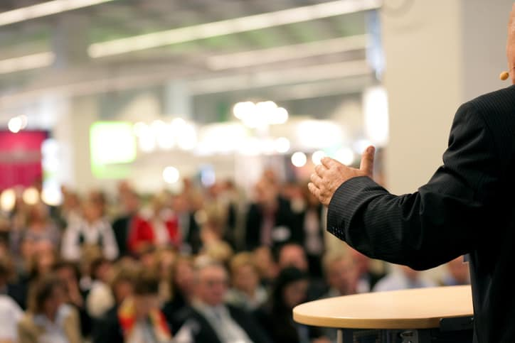 How to hire the Right Keynote Speaker